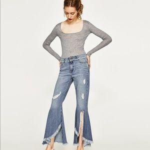 NWT Zara Light Wash Mid Rise Frayed Flared Jeans